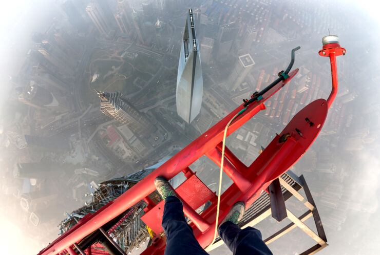 Skywalkers Climb Shanghai Tower