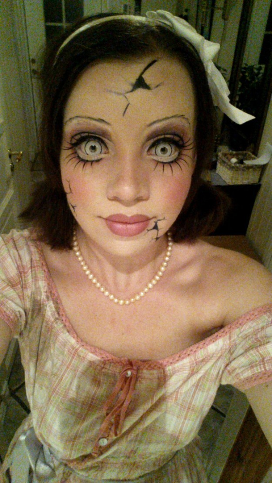 Scary Halloween Makeup Ideas For Women 10.