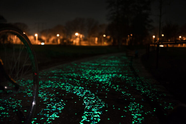 daan-roosegaarde-opens-solar-powered-van-gogh-bike-path-netherlands-designboom-08