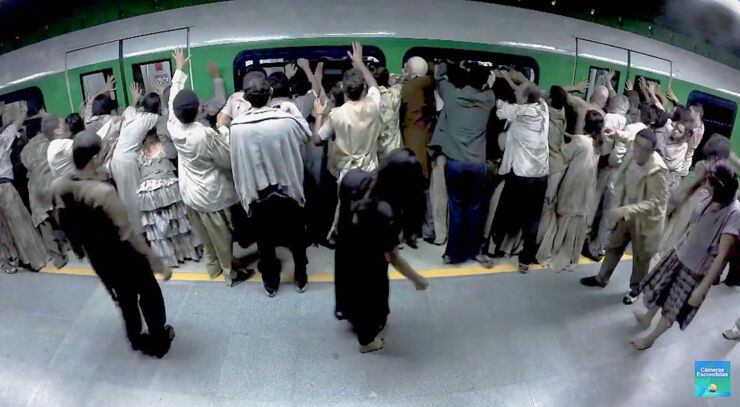 Brazilian Zombie Train Prank 01.