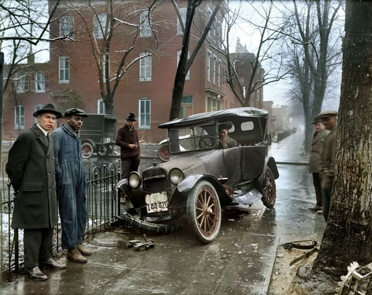 50 Amazing Colorized Photos From The Last Century