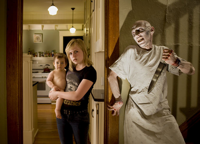 Dad and daughters scary photos 15.