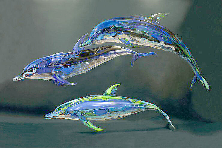 Sayaka-Ganz-makes-animals-in-motion-from-reclaimed-plastic-objects-57a68b0112f11__880-740x494