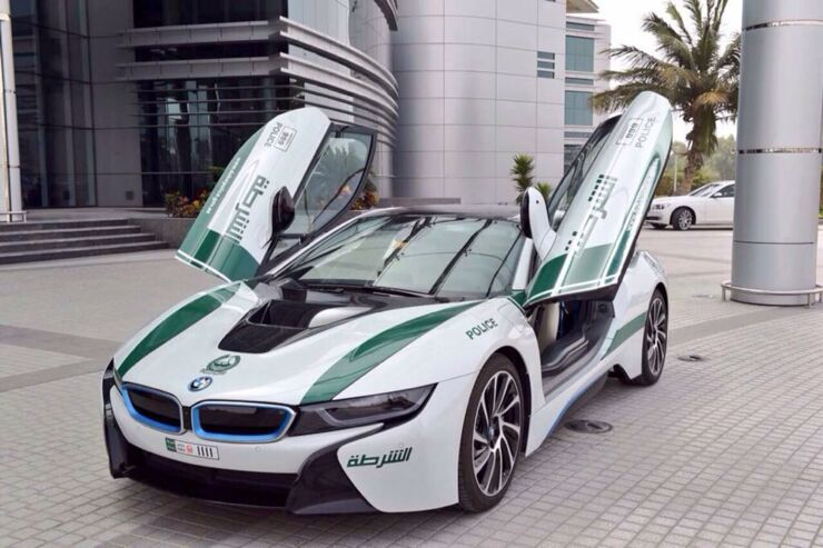 Dubai police cars are The Fastest Police Cars In The World - 01.