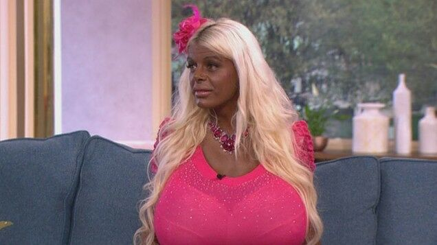 Martina Big The Tanning Addict Model Tan 01.