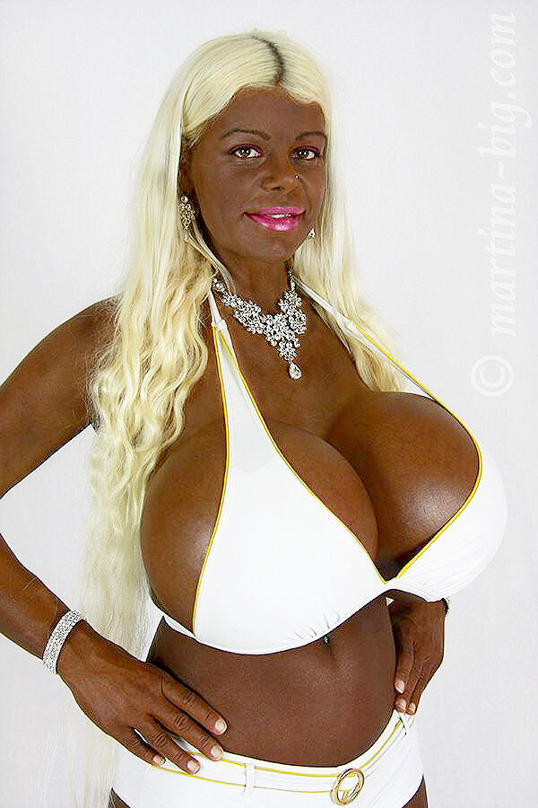 Martina Big The Tanning Addict Model Tan 03.