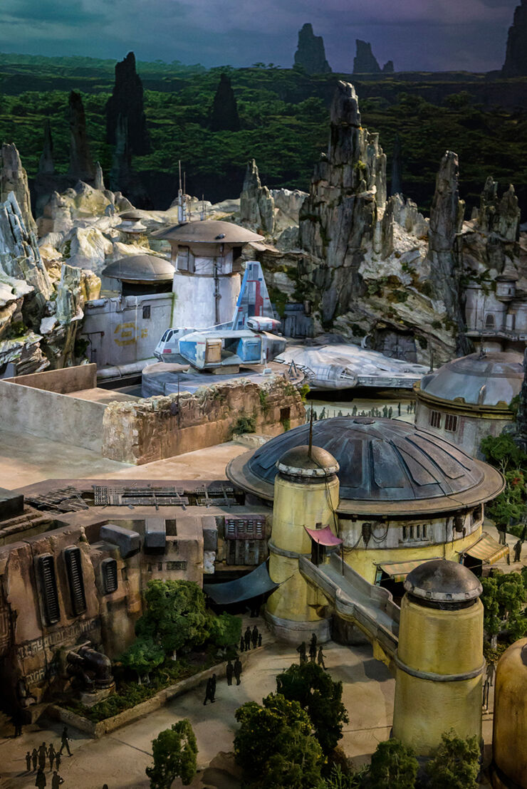 star wars land model 02.