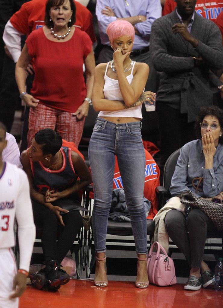 Rihanna-Givenchy-Lucrezia-Bag-2