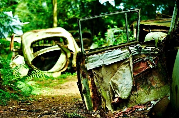 Photos From Abandoned Chatillon Car Graveyard - 10.