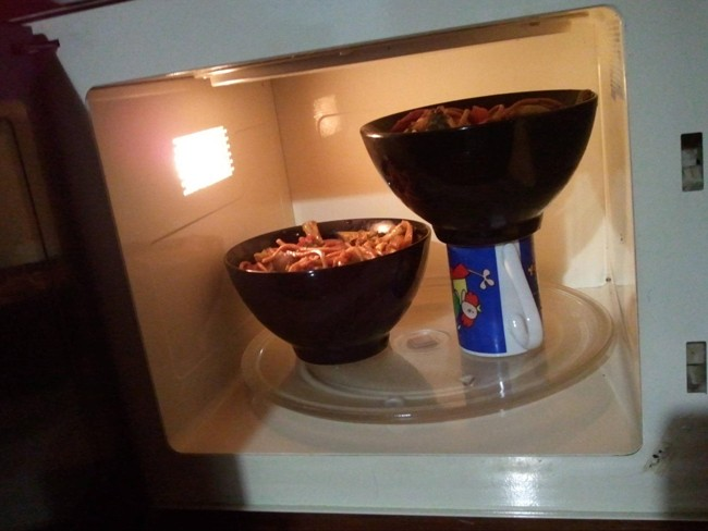 How to fiit two bowls into a small microwave (5 of 50)