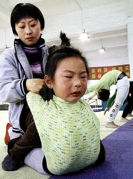 Chinese Children Training To Become Olympic Athletes - 05.