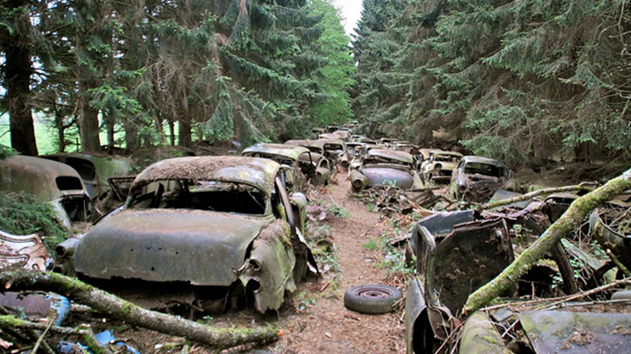 Photos From Abandoned Chatillon Car Graveyard - 02.
