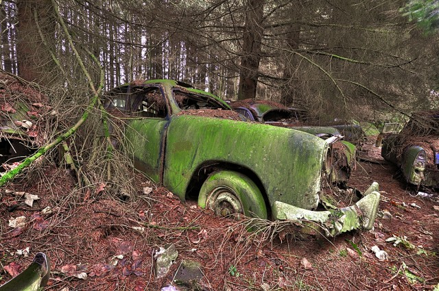 Photos From Abandoned Chatillon Car Graveyard - 08.