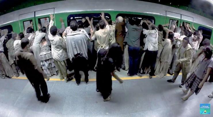 Brazilian Zombie Train Prank 01.