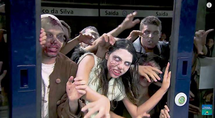 Brazilian Zombie Train Prank 02.