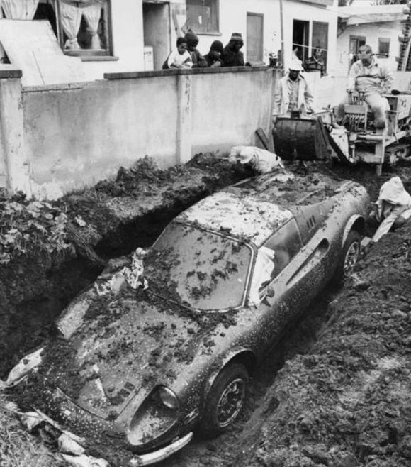 Buried 1974 Ferrari Dino 02.