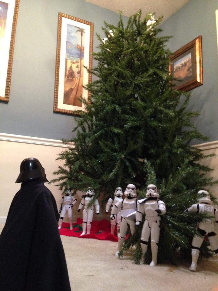 Stormtroopers put up the xmas tree 11.