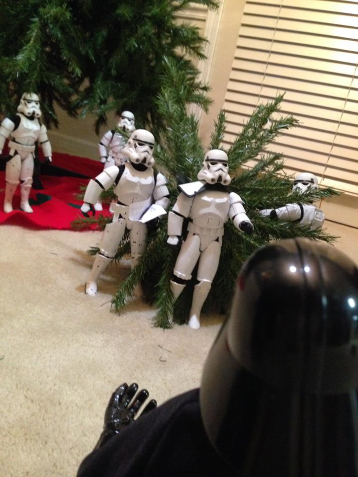 Stormtroopers put up the xmas tree 12.