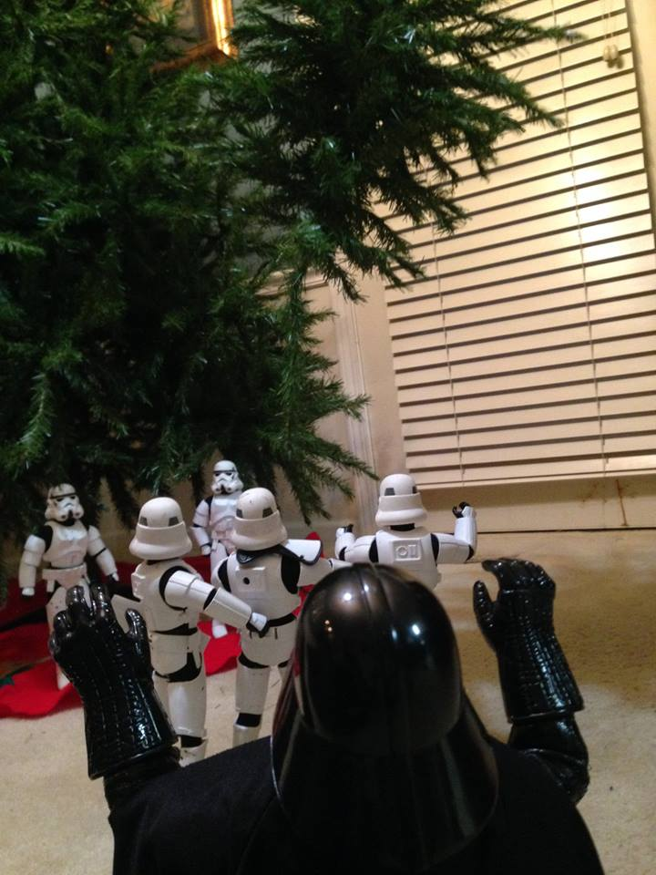 Stormtroopers put up the xmas tree 13.