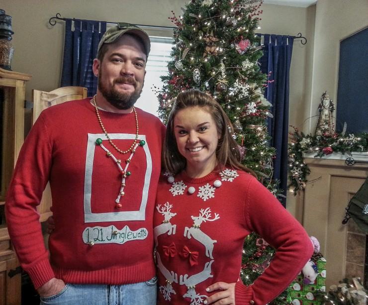 awful xmas sweaters 08.