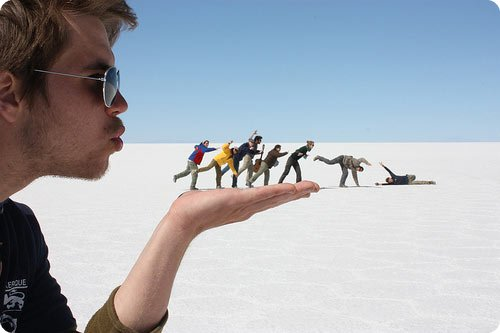 mind blowing illusion photography 05.