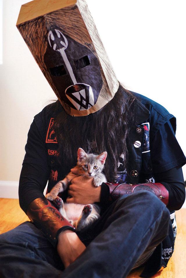 Metal Kitten With Bag