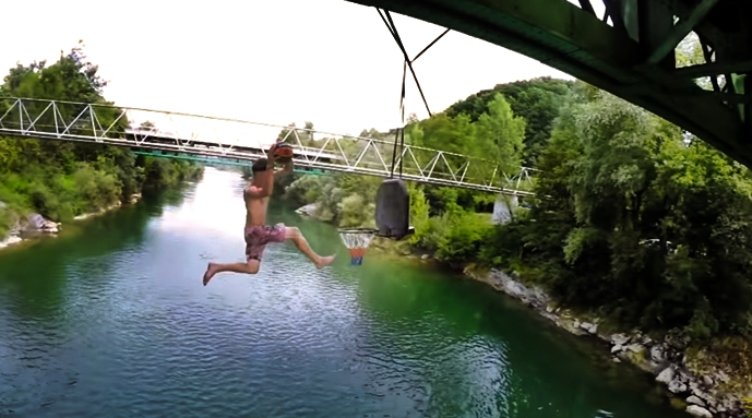 Freestyle-Basketball-Rope-Swing-DUNKS