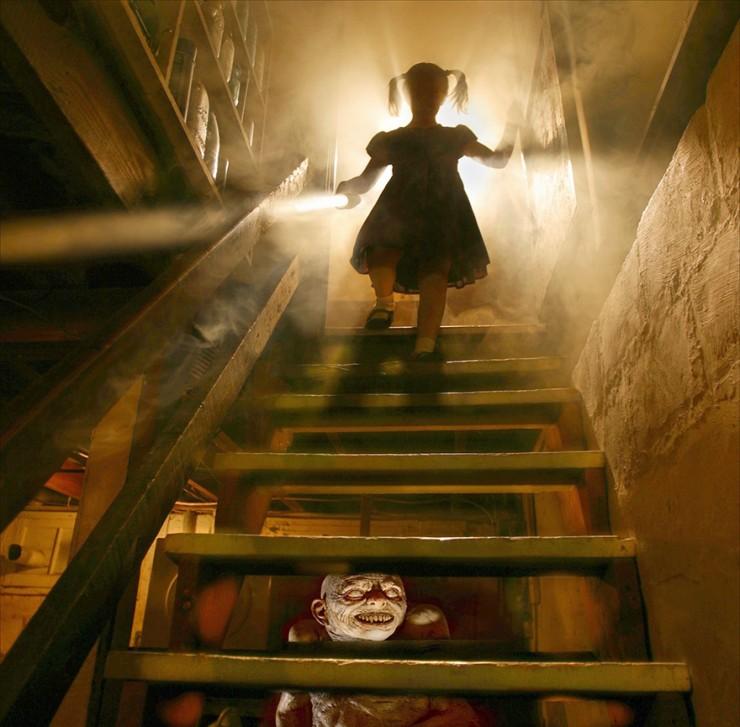Joshua Hoffine Horror Photography 02.