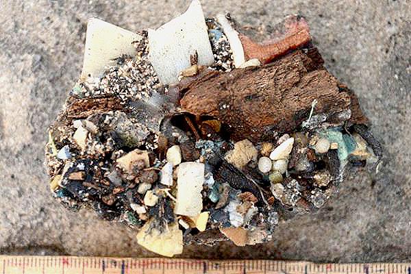 clastic-pellets-kamilo-beachsmall