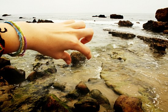 forced perspective photography examples ideas 9.