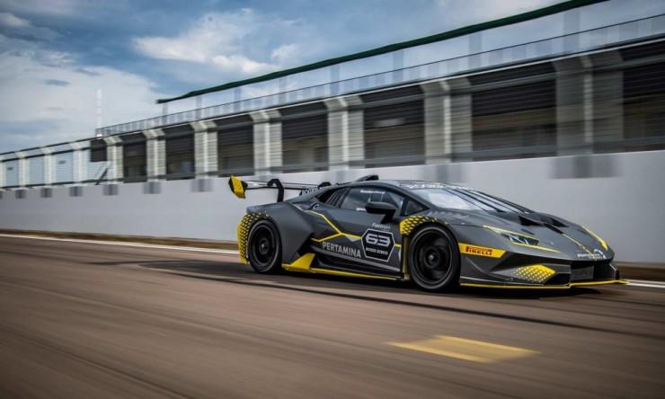 The Lamborghini Huracan Super Trofeo Evo 11.